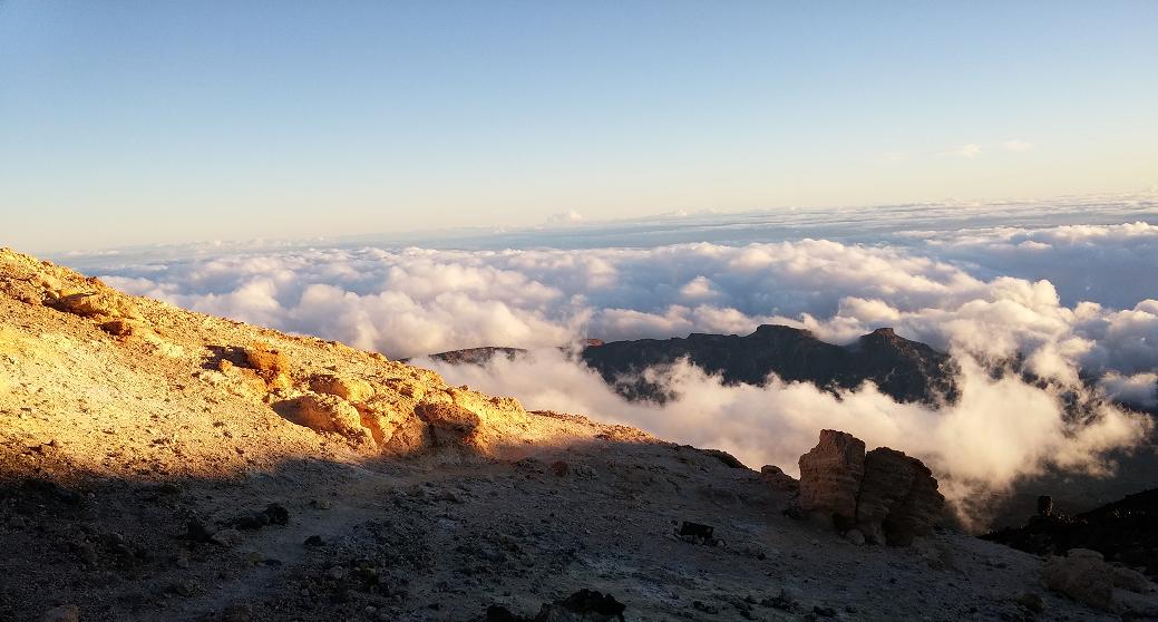 Mar de nubes en el Parque Nacional  del Teide